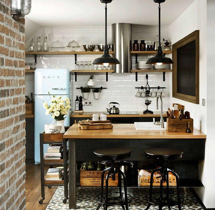 Η industrial διακόσμηση ταιριάζει πολύ σε μικρές κουζίνες και τους δίνει χαρακτήρα και στιλ.