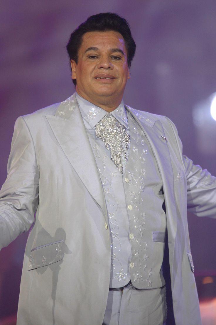 Juan Gabriel falleció de un infarto a los 66 años