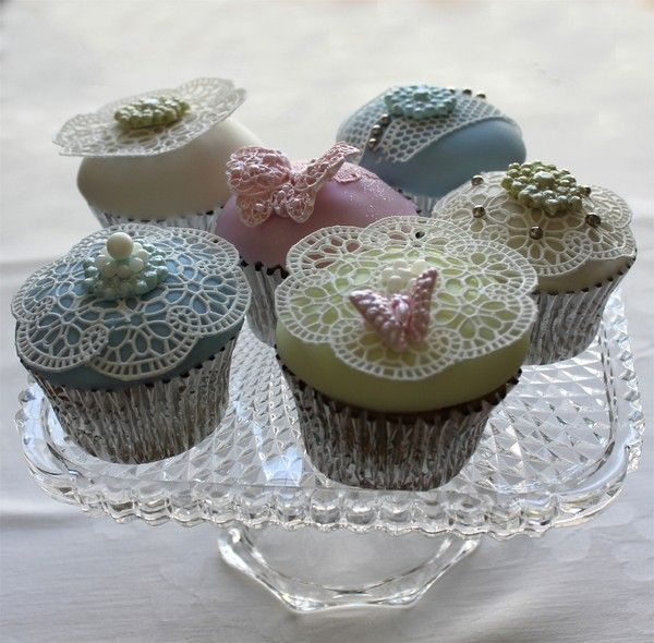 Sugar lace cupcakes