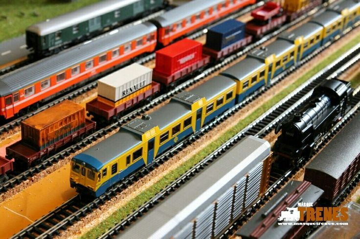 Automotor Camello 592 Arnold #hornby #spurn #ibertren #modelismoferroviario #modelbahn #trains www.masquetrenes.com