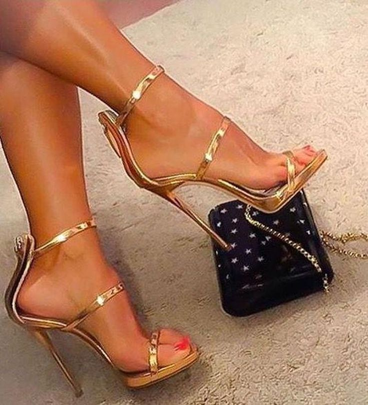 Awesome 43 Stunning Women Shoes Ideas For This Spring And Summer. More at https://wear4trend.com/2018/02/21/43-stunning-women-shoes-ideas-spring-summer/