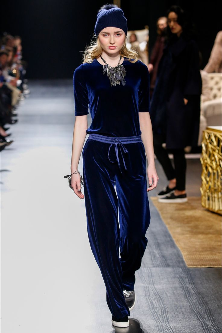 Sfilata Badgley Mischka New York - Collezioni Autunno Inverno 2017-18 - Vogue