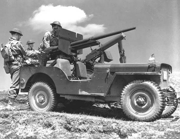 1943, NORTH AFRICA Jeep Willys MB s kulometem Browning M1917A1 , rok 1942