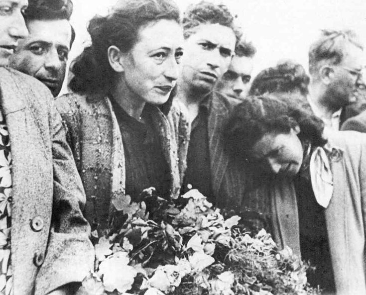 Jews mourning relatives killed in anti-Semitic violence in ... Pictures Of Pogroms In Poland