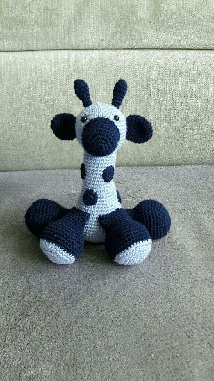 les 25 meilleures id es de la cat gorie girafe en peluche sur pinterest mod les jouets en. Black Bedroom Furniture Sets. Home Design Ideas