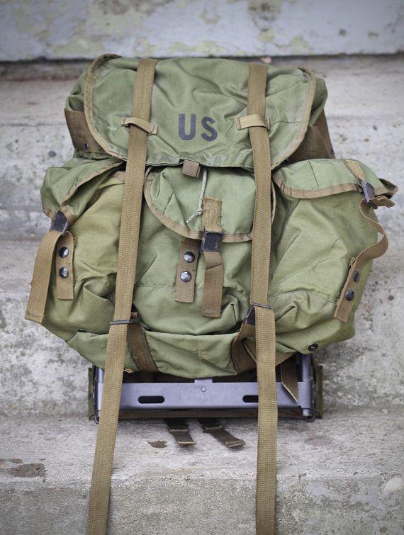 86f5789eb Vintage 1970s era US Army issue ALICE LC-1 Medium field rucksack - Full  aluminum Frame - Ripstop Nylon
