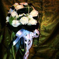 Bouquet da sposa con Rose White Universe, Dianthus Verde , Bouvardia