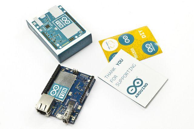 elettroshop.com - Arduino YÚN è il primo di una nuova linea innovativa di prodotti wifi che combinano la potenza di Linux con la facilità d'uso di Arduino, €64.66 (inc IVA)