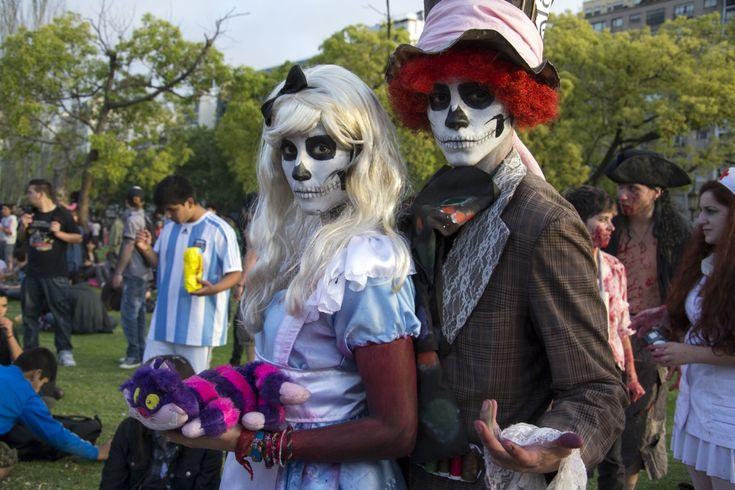 Una boda especial en la novena edición de la Zombie Walk Argentina.