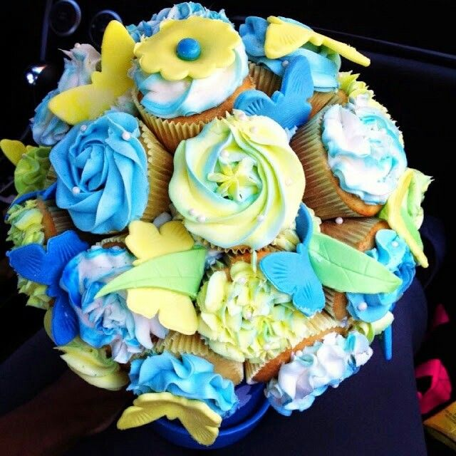 15 best Cupcake bouquets images on Pinterest   Cupcake bouquets ...