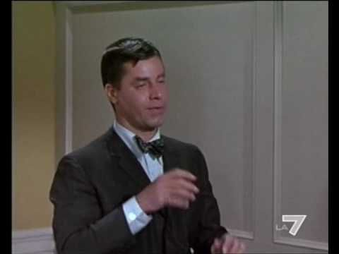Jerry Lewis Typewriter Scene - Who's Minding The Store?