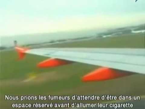 """Une hôtesse de l'air se tape un petit délire en arrivant à Toulouse... """"On aimerait bien que l'avion arrive avant vous, ça risque de vous faire mal sinon."""""""