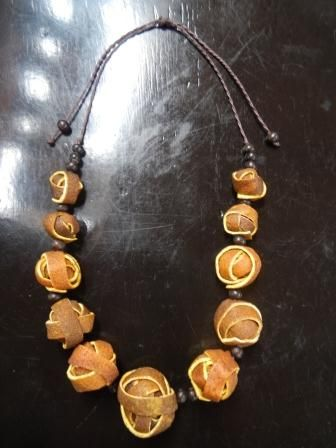 Necklace orange peel
