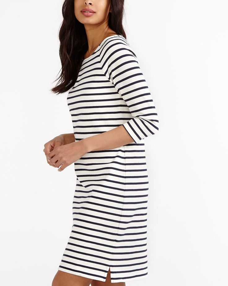 This striped 3/4 Sleeve Dress is a classic piece for a chic casual wardrobe. Featuring a rounded neckline, contrast back zipper and 3/4 raglan sleeves, this dress can be worn both with flat shoes or sandals!<br /><br />Ready to wear for: a lunch date, a walk in the park or on the beach