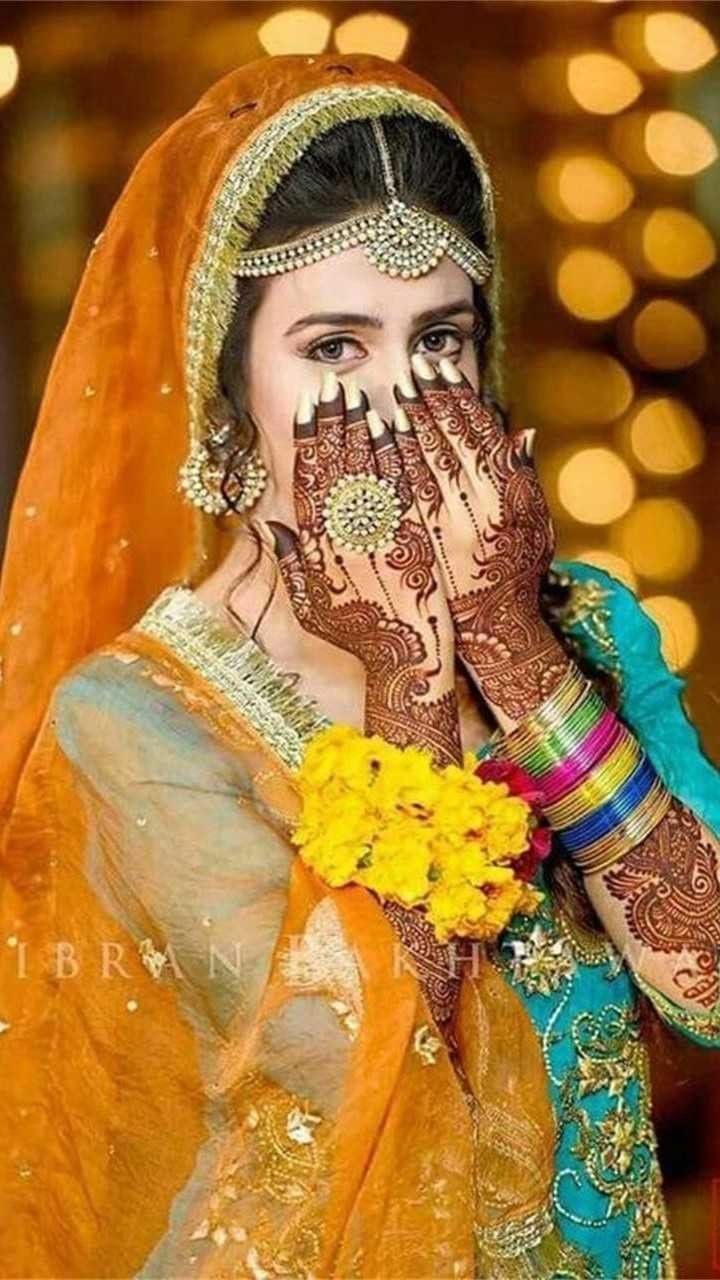Pin By Anusha Memon On Fammaly Bride Photoshoot Bridal Photoshoot Bride Poses