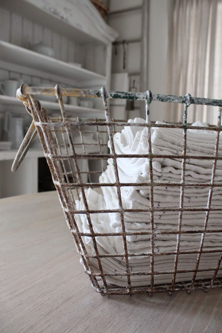 how to clean smelly laundry machine