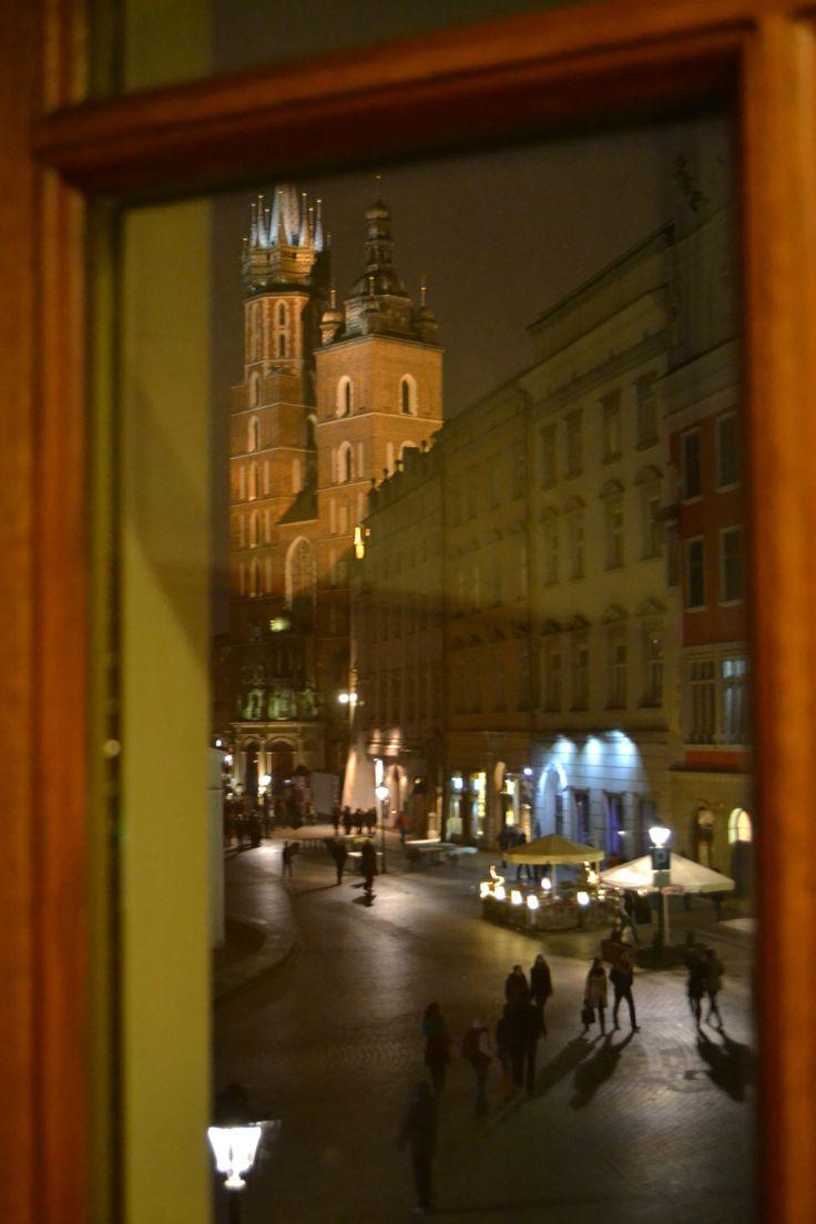 A table en Pologne #1 – Wierzynek ou le plus ancien restaurant de Cracovie   Jolis voyages