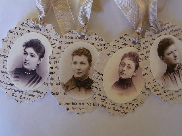 old photo tags - just lovely.... Great for scrapbooking, recipe books  and many other things.