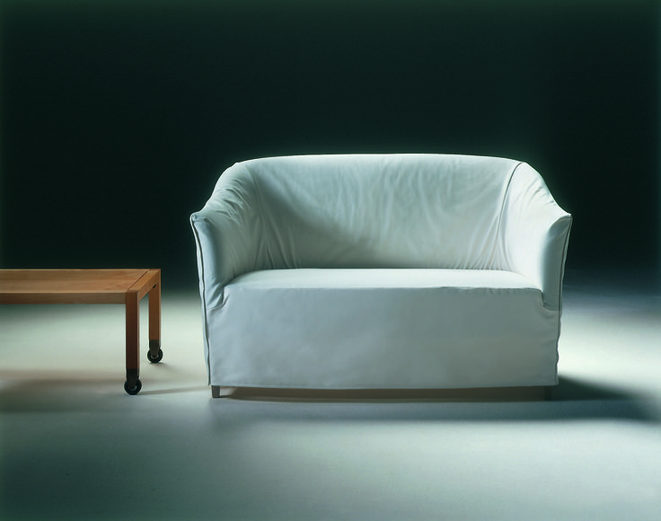 FLEXFORM DORALICE small sofa, designed by Paolo Nava & Antonio Citterio, 1980.