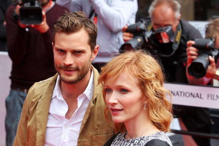 Jamie Dornan a Aňa Geislerová na červeném koberci u hotelu Thermal.