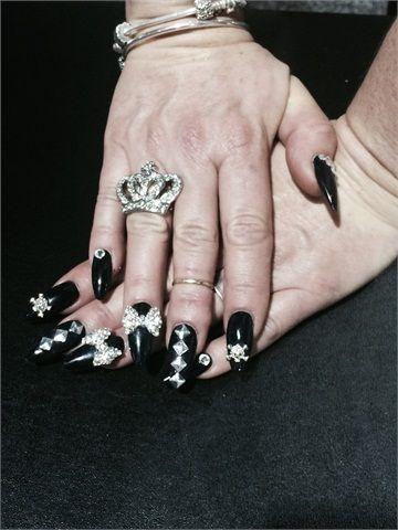 Amazing 3D nail art.