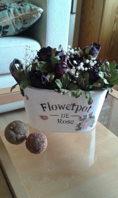 Sequé un ramo de rosas e hice un macetero para ellas. Me encanta!_Cascabel64