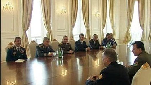 Azerbaycan population needs to pee on Iran Ilham Aliyev family now
