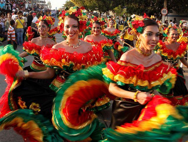El Carnaval reúne colores, leyendas y alegría