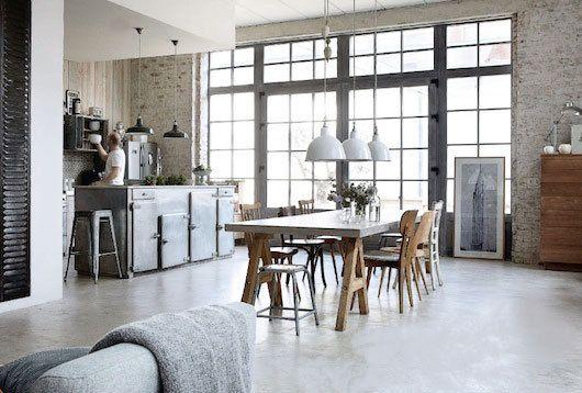 eetkamer, keuken, eettafel, eetkamerstoelen, beton, muur, industrieel