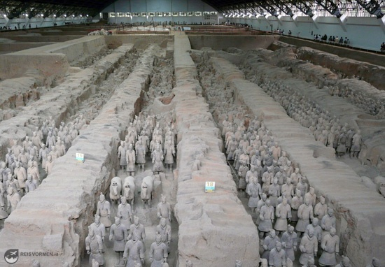 Biggest pit with many hundreds of intact warriors.