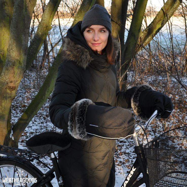 Wha says staying warm can't be stylish? Enjoy a cozy, warm and stylish ride with these Bicycle gloves!