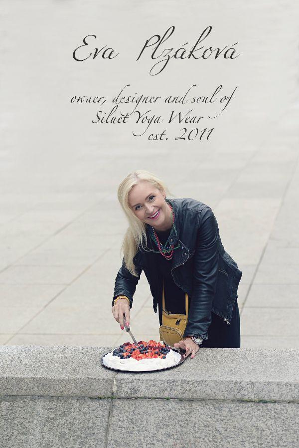 Pavlova cake by SIL inspiration. #siluetyogawear #madewithloveforyou