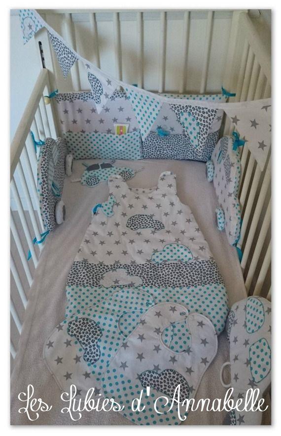 cadeau naissance, kit naissance, turbulette,tour de lit,bavoirs, doudou,coussin musical et guirlande de fanions