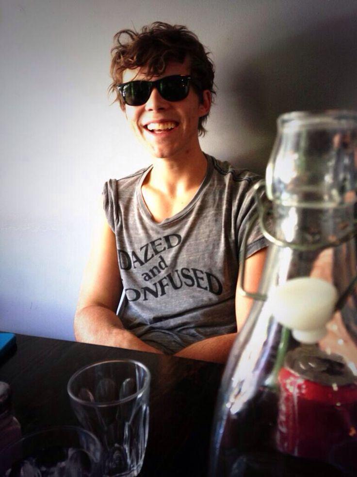 Ashton's smile is perf ❤️ Ashton Irwin 5sos