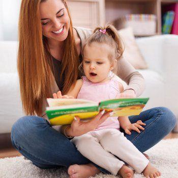Parece mentira que a un niño de 1, 2 o 3 años le guste la lectura. Pero es posible. Un bebé de estas edades puede disfrutar con la lectura y aficionarse a leer. Y hasta tomar un apego exagerado a un cuento concreto y pedirlo una y otra vez, para desesperación del adulto.