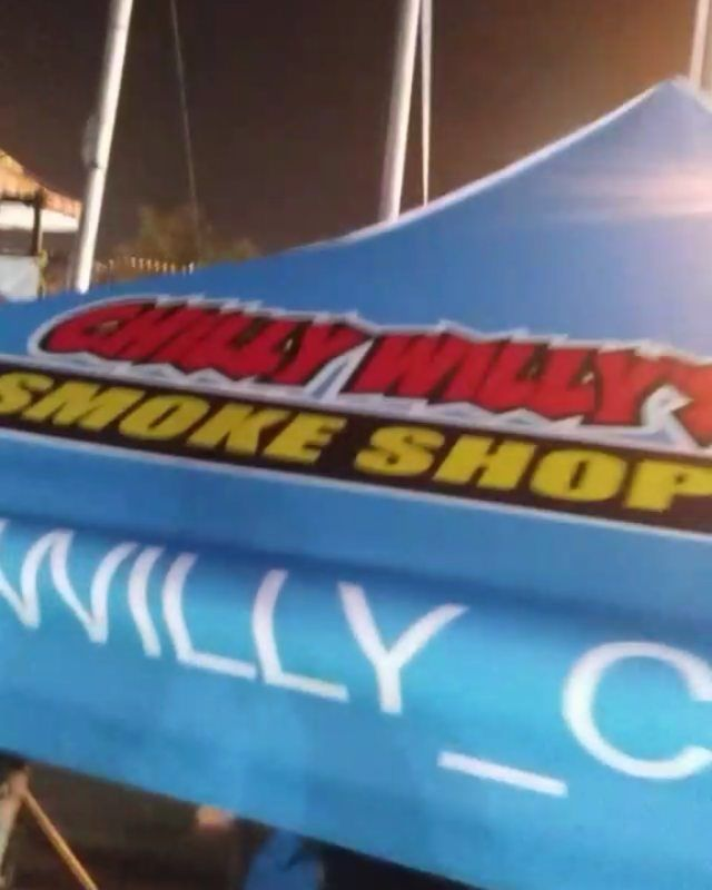 #Recap ... Number one Smoke Shop in #LA ... @willy_chilly @blazerscup S/o to the #OG & FAM Chilly Willy Go hit them up for all your smoking needs... #kush #smoke #kushups #420 #cannabiscommunity #cannabis #dab #weed #bud #elchapoog #blaze #loud #sourdiesel #ogkush #joint #losangeles #glass #bongs #rawpapers #rollingpapers #gas #trees