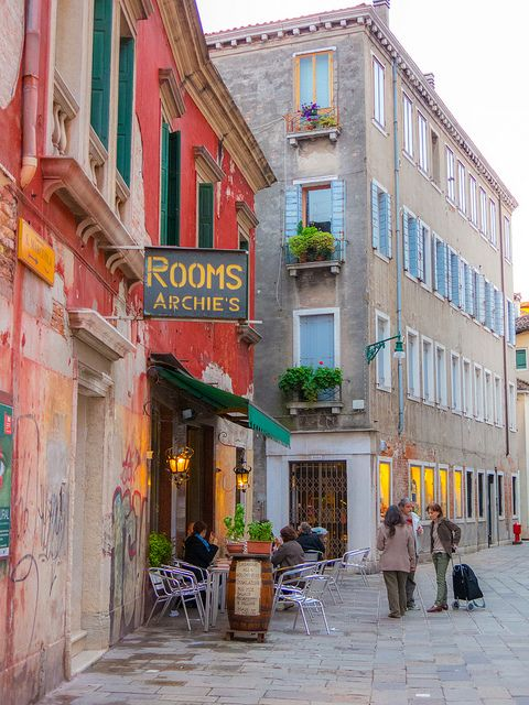 Rooms at Archie's - Venice, Italy