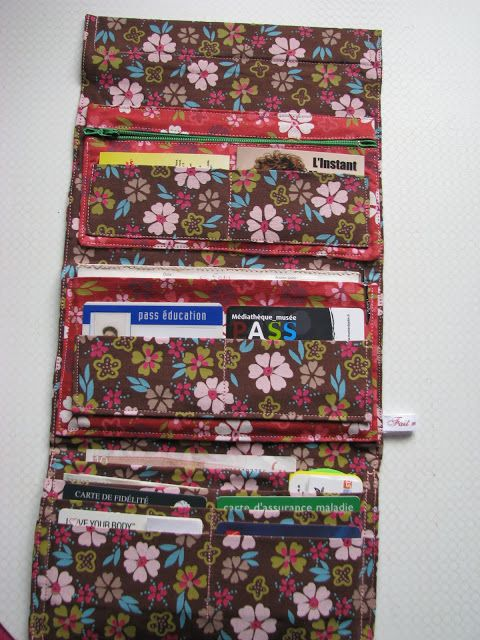Trifold purse with many pockets - just what I have been looking for.