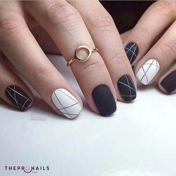 Still in love with black & white, simple girls? #simple #elegant #black #white #geometric