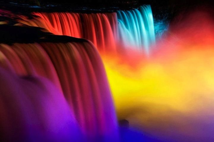 Niagara Falls' Stunning Festival of Rainbow Lights