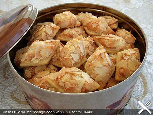 Chiara's Marzipanknusperplätzchen, ein sehr schönes Rezept aus der Kategorie Kekse & Plätzchen. Bewertungen: 130. Durchschnitt: Ø 4,4.