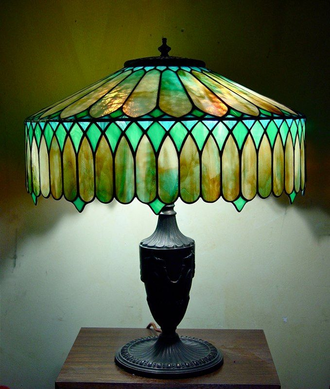 Custom Stained Glass Lamp--for the antique lamp? - 1025 Best Lamps Images On Pinterest Vintage Lamps, Antique Lamps