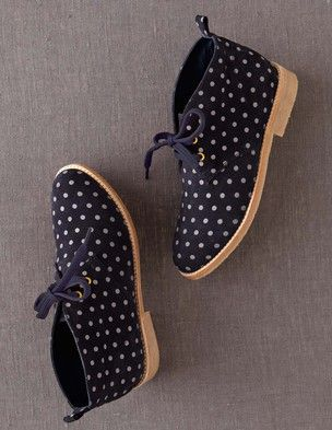 LOVE these in the gray color! I've spotted this @BodenClothing Desert Boot