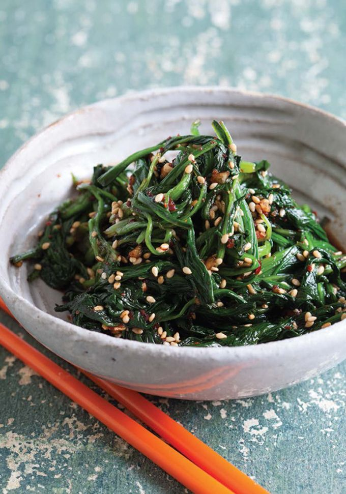 1 pound 6 ounces fresh spinach 2 tablespoons white sesame seeds 2 cloves garlic, finely minced 6 tablespoons Japanese soy sauce 2 teaspoons ...