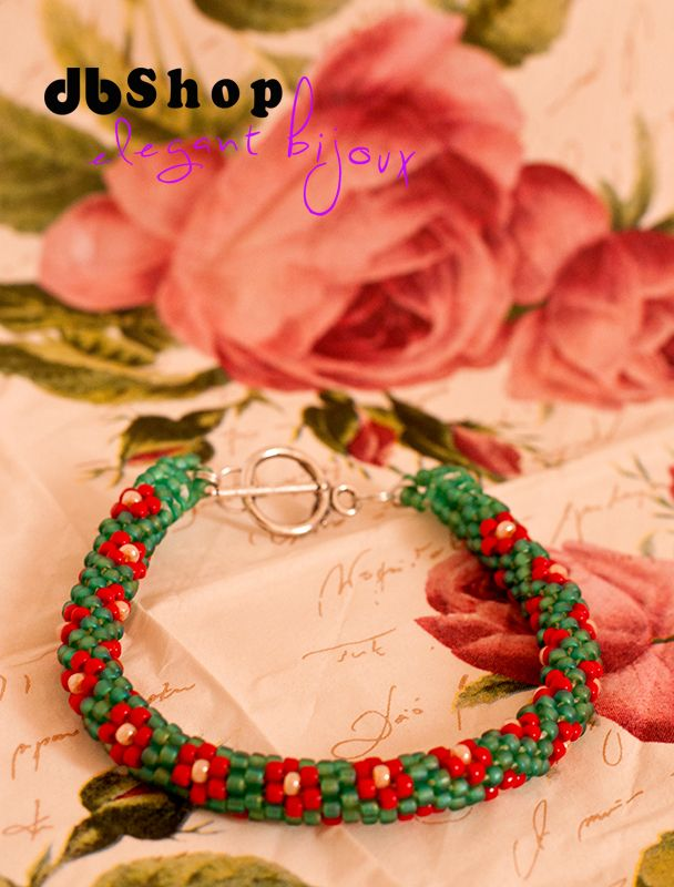 beautiful floral crocket beaded bracelet, handmade jewelry, made from Toho beads