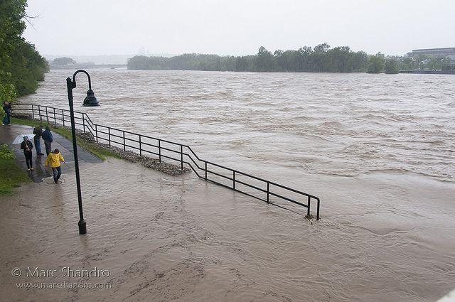 Calgary Flood 2013 - Bow River / Lake   Flickr - Photo Sharing!