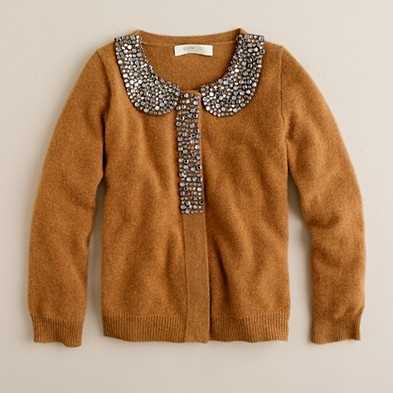 love the collar on this sweater...sweet little girl style