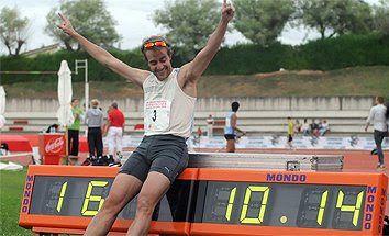 atletismo y algo más: 935. El 'Pájaro' Rodríguez bate el récord de Españ...