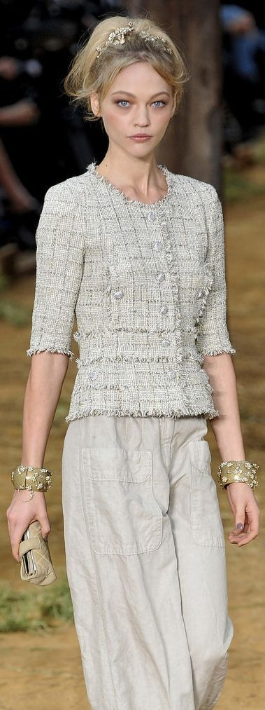 Chanel Fashion shows details & more