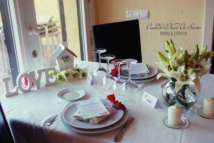 Cena aniversario sorpresa aniversario decoraci n mesa for Decoracion boda romantica